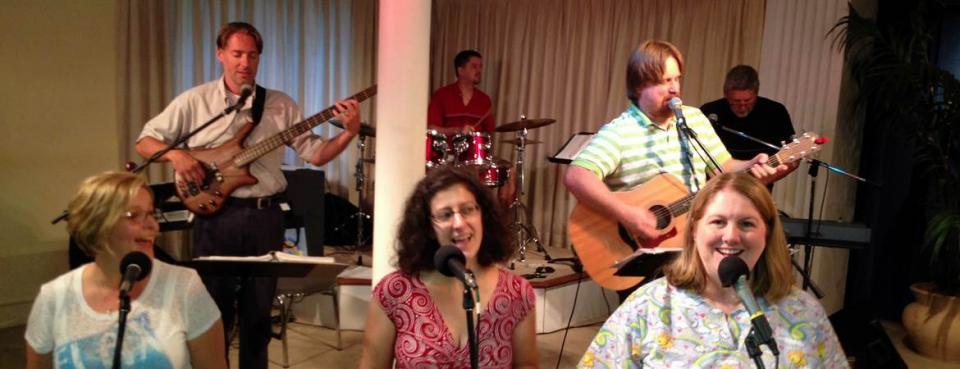 People singing at UMC Church in Richmond